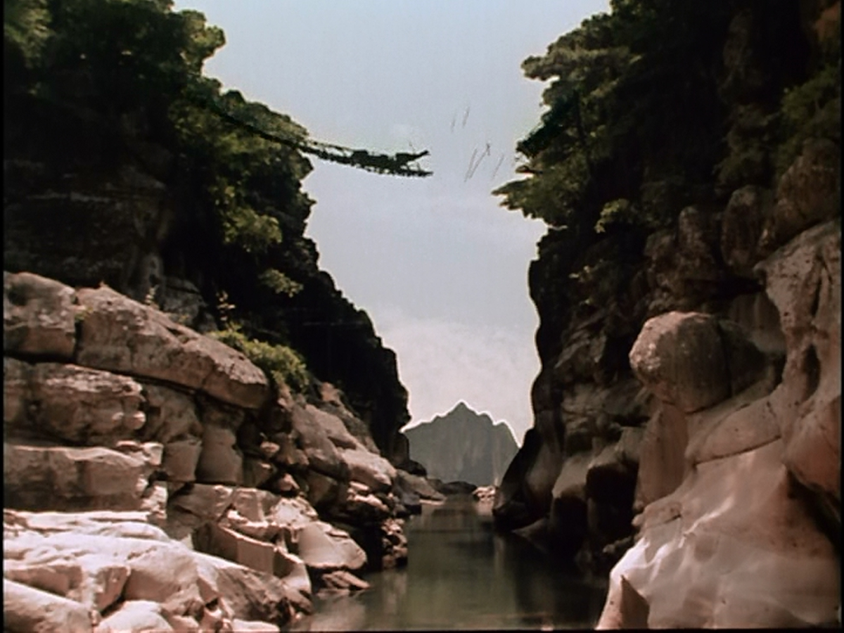 The uninteresting human plotline of Godzilla vs Mothra: Battle For Earth