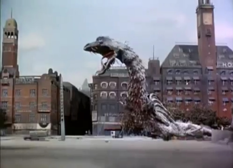 Reptilicus before the Scandic Palace Hotel of Copenhagen.
